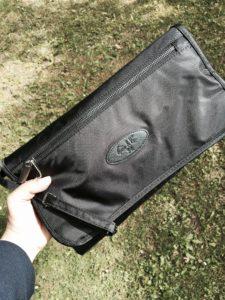 Ikke større end en lille taske