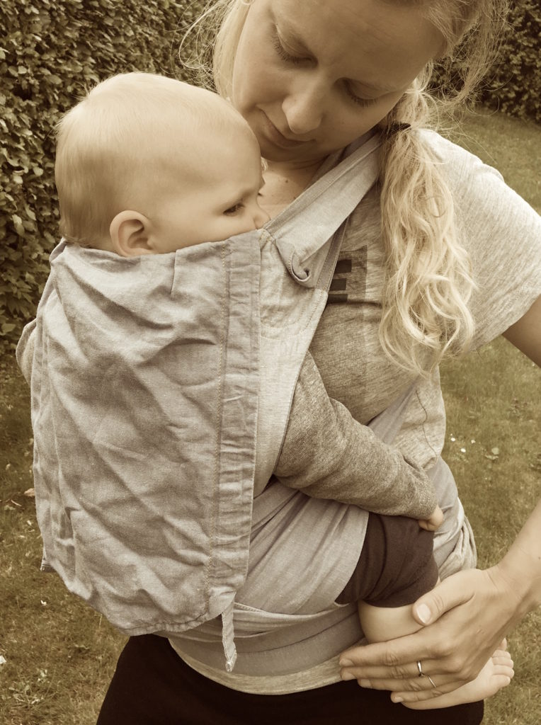 I en Vikletai kan et større barn føles ret let, fordi vægten er på hofte, skuldre og ryg