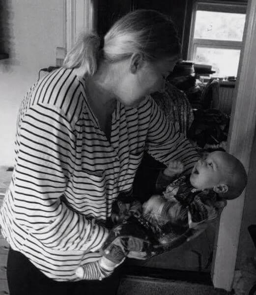 Simone med sønnen Felix